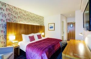Edinburgh haymarket  hotel hen party group accommodation
